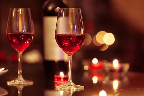 Romantic candle light dinner. Shovel handle Pub